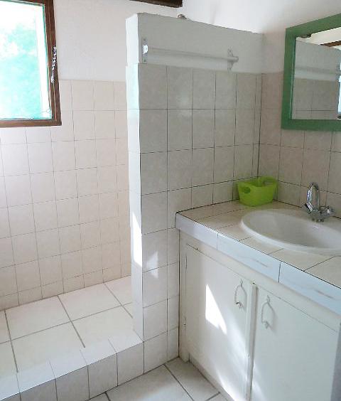 67-location-villa-corse-sud-chambre3-salledebain