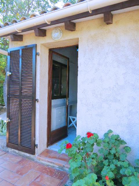 67-location-villa-corse-sud-chambre3-suite-accesindependant
