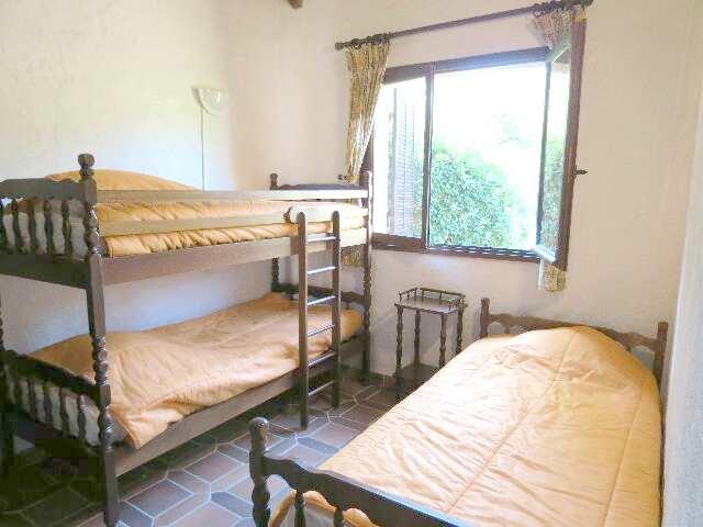 61-location-villa-corse-sud-chambre2
