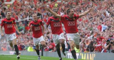 Manchester United Agree Deals For Defender Alex Telles & Striker Edinson Cavani Following 6-1 Defeat (pics)