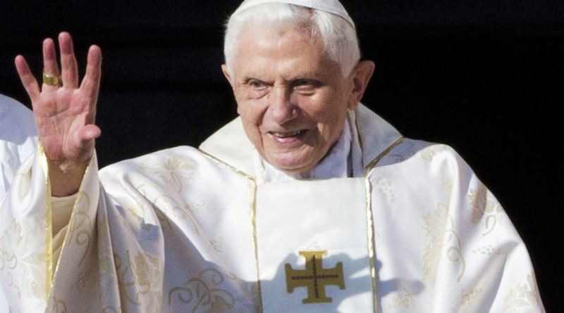 Former Pope Benedict Is Seriously Ill, After The Death Of His Closest Brother (pics)