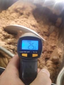 Με τη μέθοδο της ψυχρής έκθλιψης πραγματοποιείται η μάλαξη της πάστας για την παραγωγή άριστης ποιότητας ελαιολάδου.