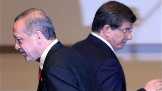 Κεραυνοί Νταβούτογλου: Ο Ερντογάν θα ανατραπεί με στρατιωτικό πραξικόπημα