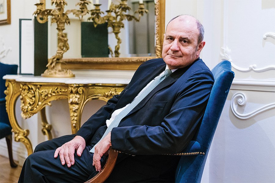 Τιμ Ανανιάδης | Ο θρυλικός πιεριέας διευθύνων σύμβουλος που αφήνει το αποτύπωμά του σε ένα εμβληματικό ξενοδοχείο