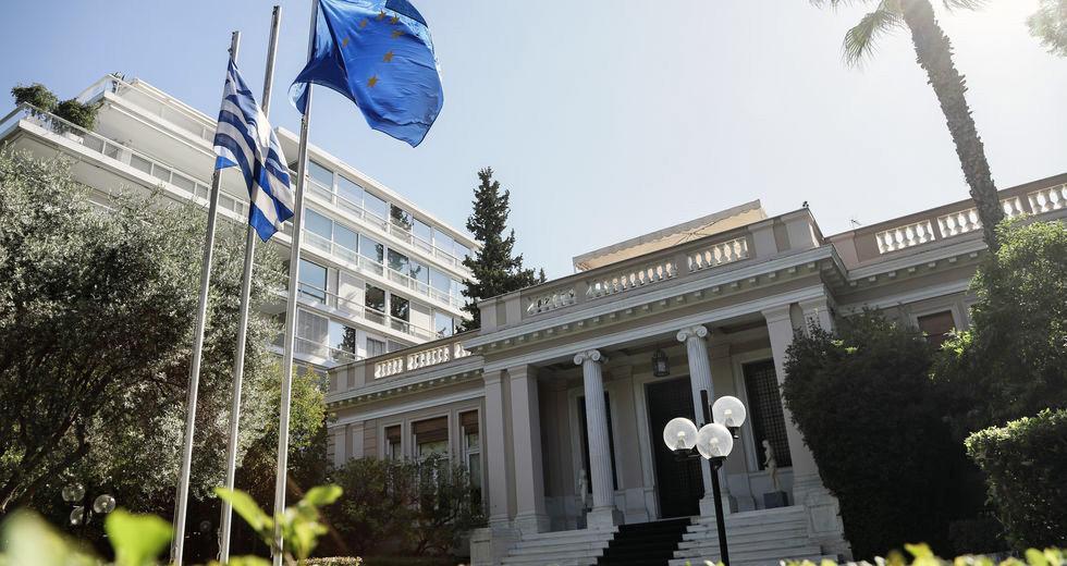 Σκληρή απάντηση του πρωθυπουργικού γραφείου στον Αλέξη Τσίπρα υπό το βάρος της υπόθεσης Λιγνάδη