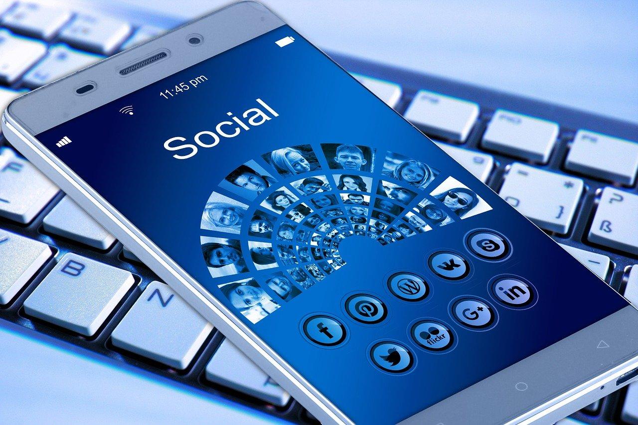 social media vs website marketing