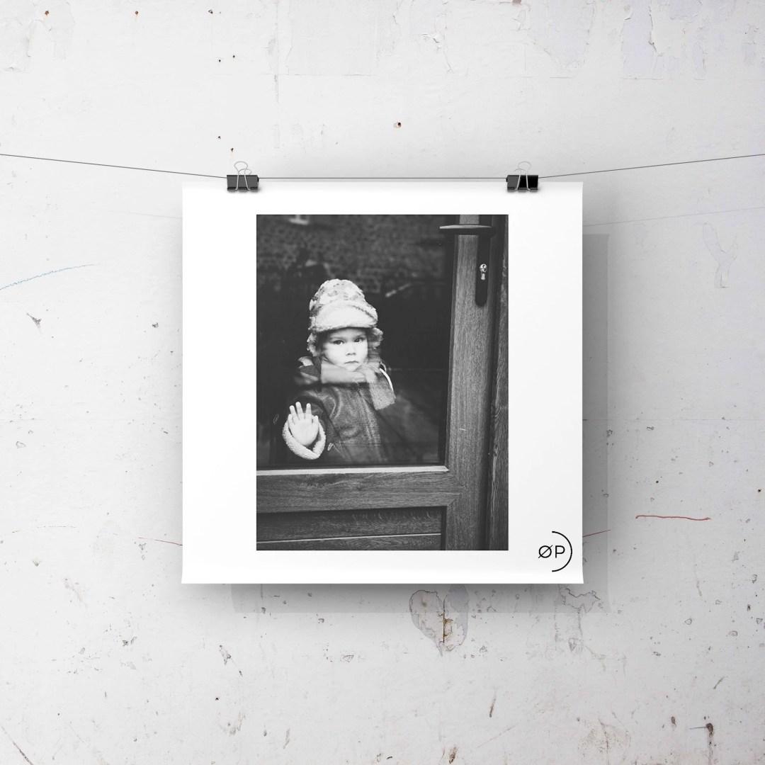 mockup portrait enfant noiretblanc lifestyle - HOME