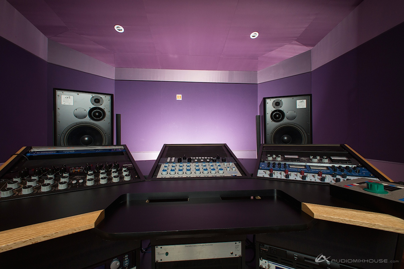 7 Mixing And Mastering Mistakes You Might Make In Your