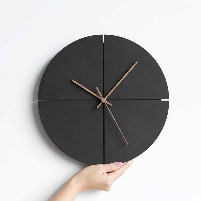 horloge murale style scandinave design bois noir