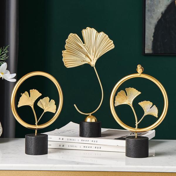 sculpture ornement dorée pour décoration scandinave design