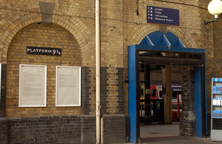 Peron 9 ¾ di Stasiun King's Cross