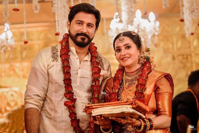 bhama marriage wedding pics 2