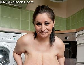 charlotte omg big boobs