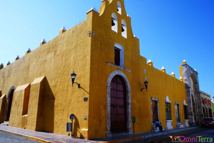 Mexique - Campeche - Rue et église