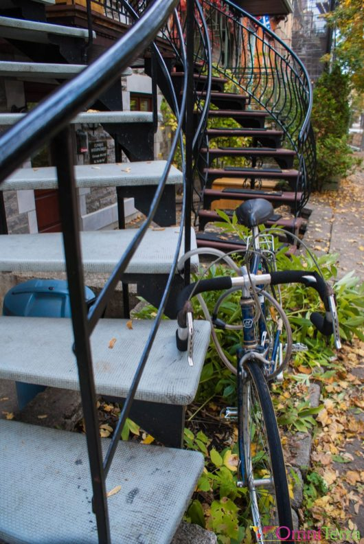 Montréal - Escaliers et vélo