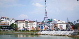 Vietnam - Dalat - Vue du lac