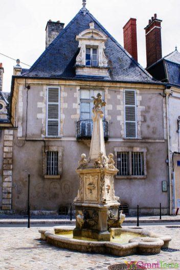 Bourges - Place des 4 piliers