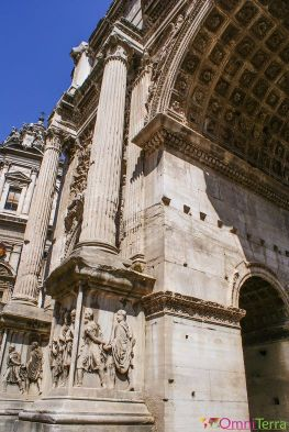 Rome - Forum romain - Arc triomphe détails