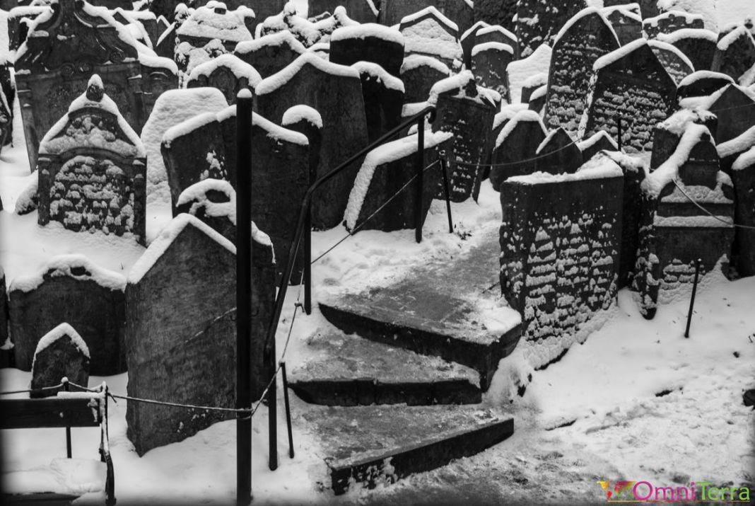Prague - Josefov - Vieux cimetière juif