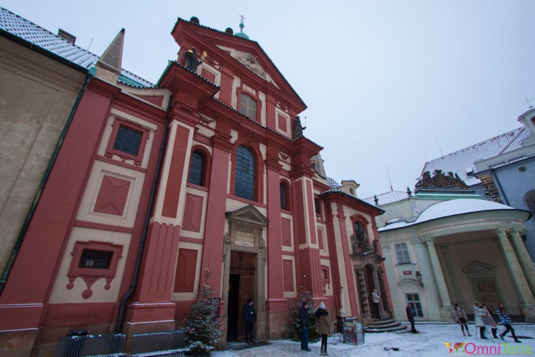Prague-Mala-Strana-Chateau-de-Prague-Basilique-St-Geoge