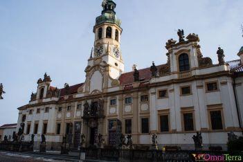 Prague-Mala-Strana-NOtre-Dame-de-Lorette-Facade