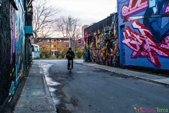 Montreal-Street-Art-Mural-Under-Pressure-rue