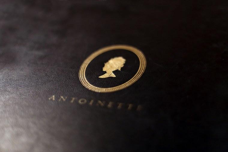 Om Nom Nomad - Antoinette