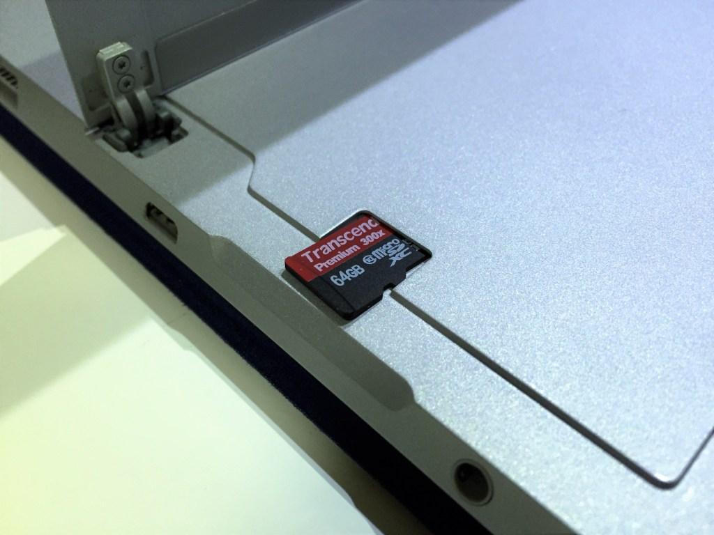 MicroSDスロット