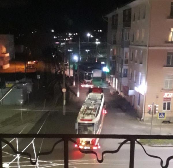 В Омск привезли новые уральские трамваи