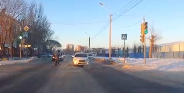 В Омске водитель «Яндекс такси» выехал на встречную и чуть ...