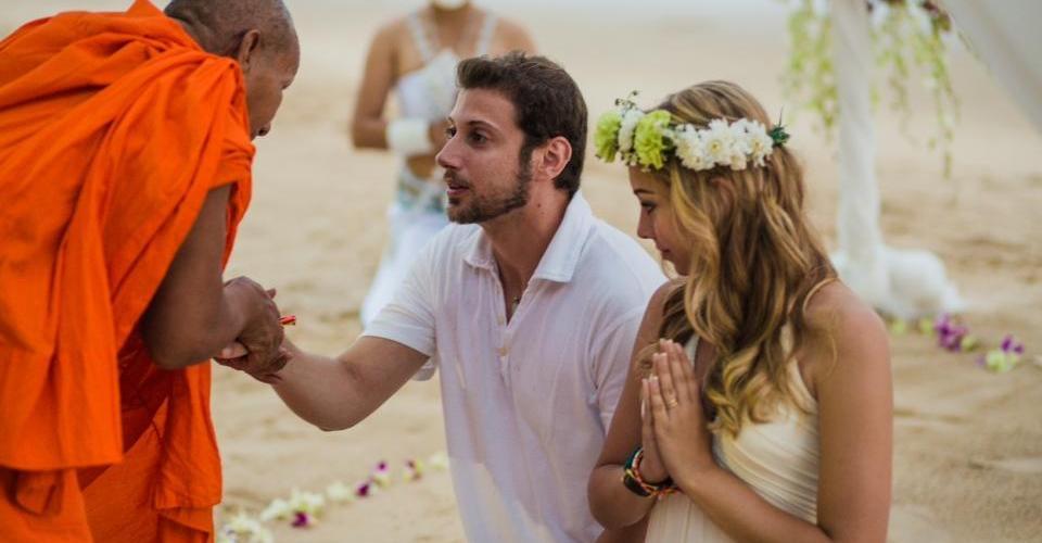 O casamento organizado pelo Eberson foi a maior surpresa para a Iara na viagem à Tailândia