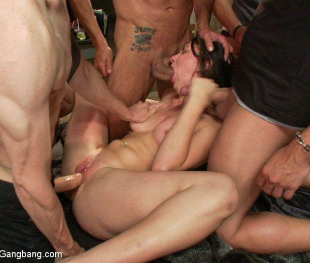 Gang Of Nude Wemon