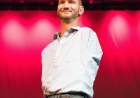 Nick Vujicic speaking