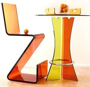pleksi-sandalye