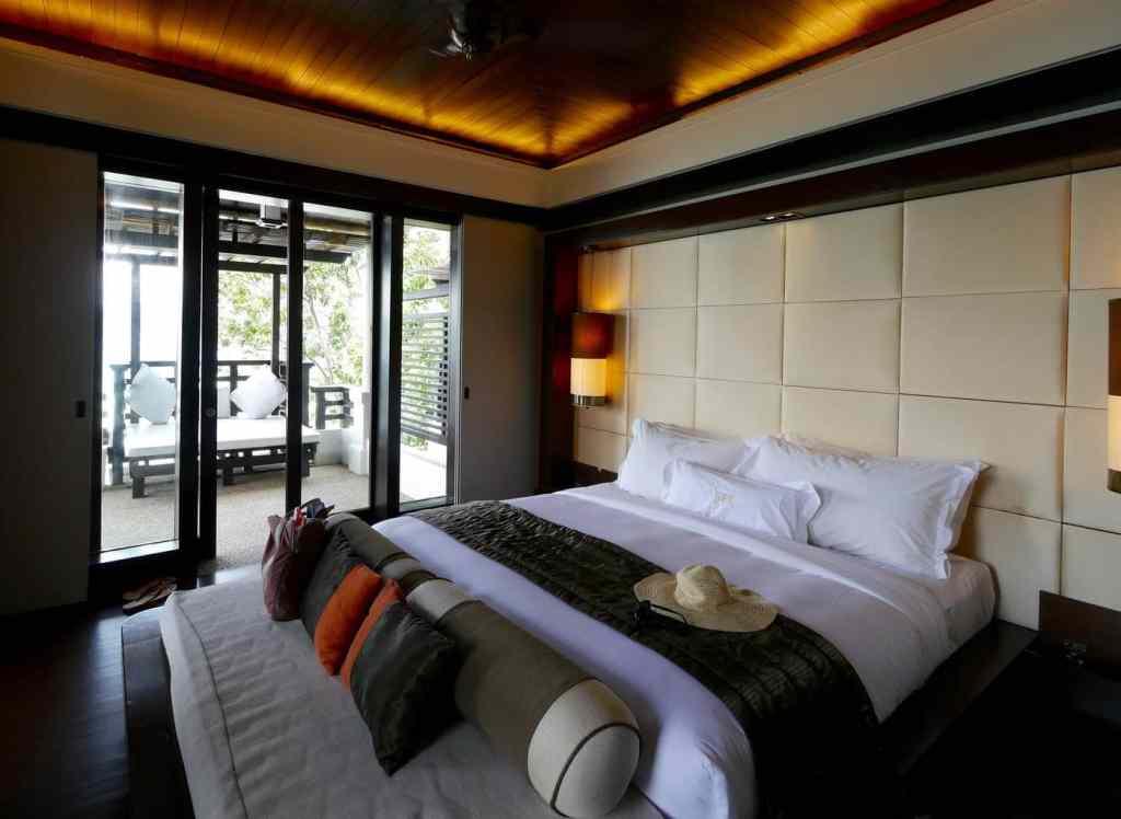 Gaya Island Resort suite bedroom