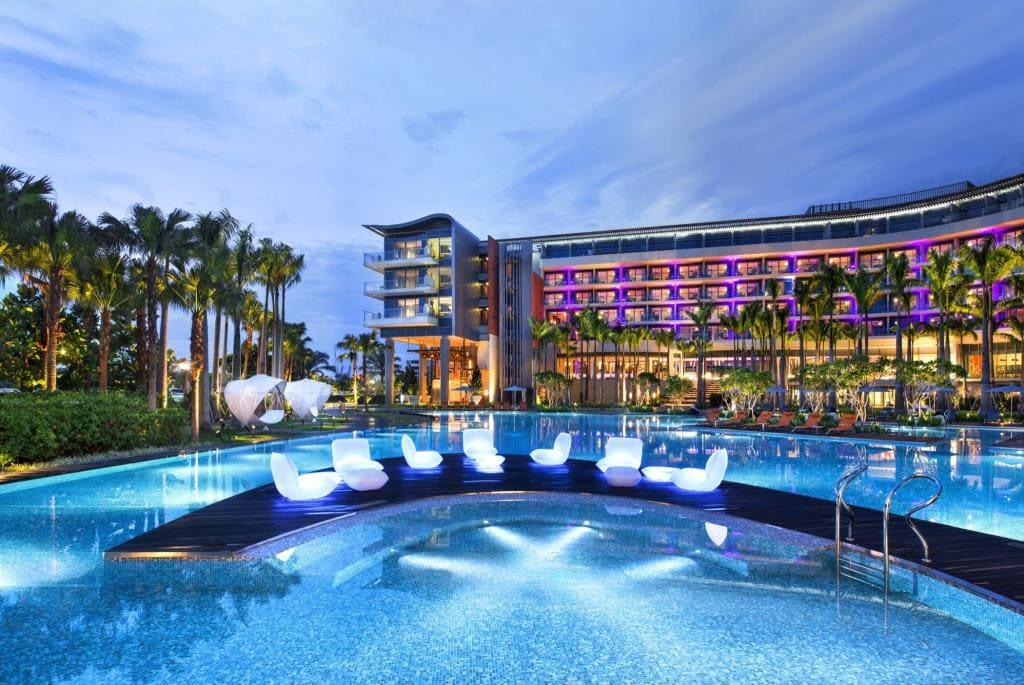 W Hotel Singapore Pool