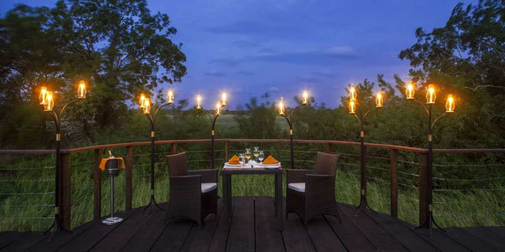 Private Dinning at Ulagalla observation deck