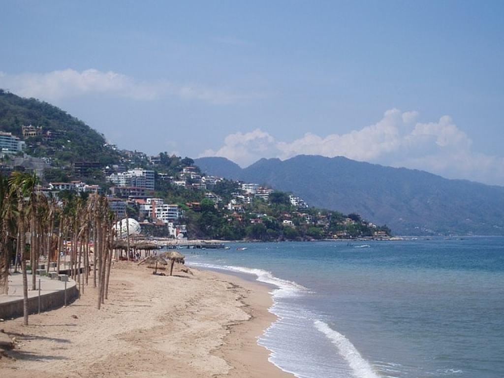 Playa de los muertos Puerto Vallarta