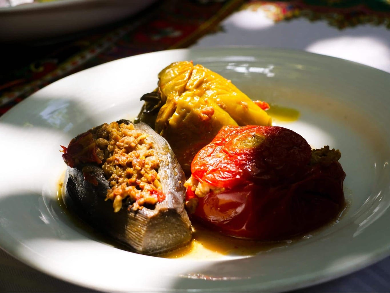 Dolma with vegetables