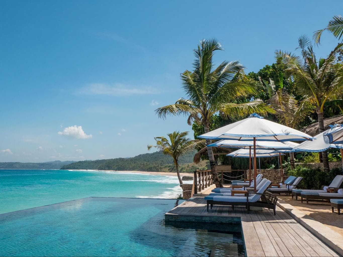 Nihi Sumba Hotel review, Infinity pool with beach