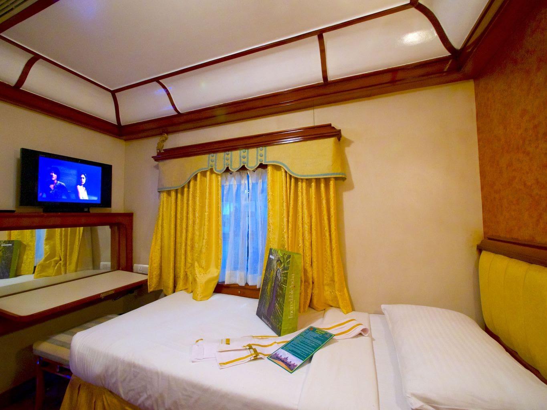 Golden Chariot Cabin