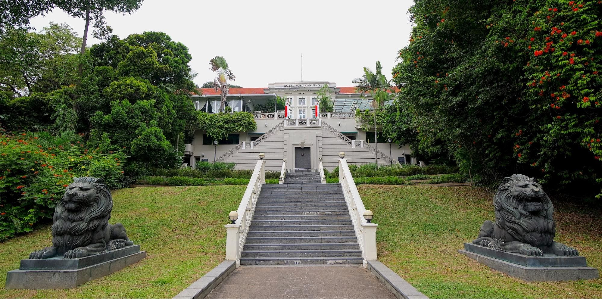 The grand entrance to Hotel Fort Canning