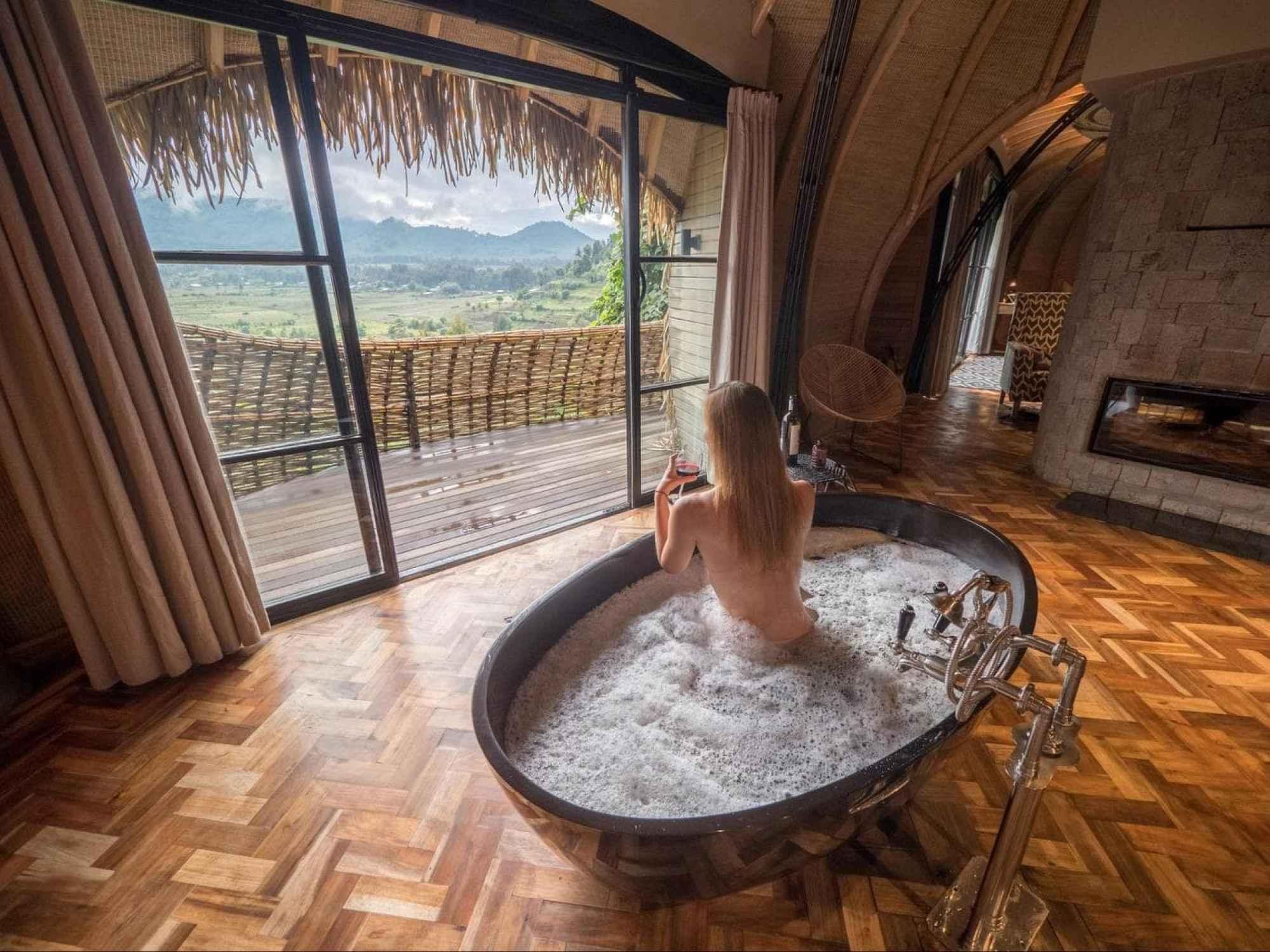 Luxury Bisate Lodge