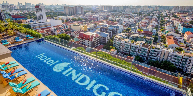 Hotel Indigo Singapore rooftop pool