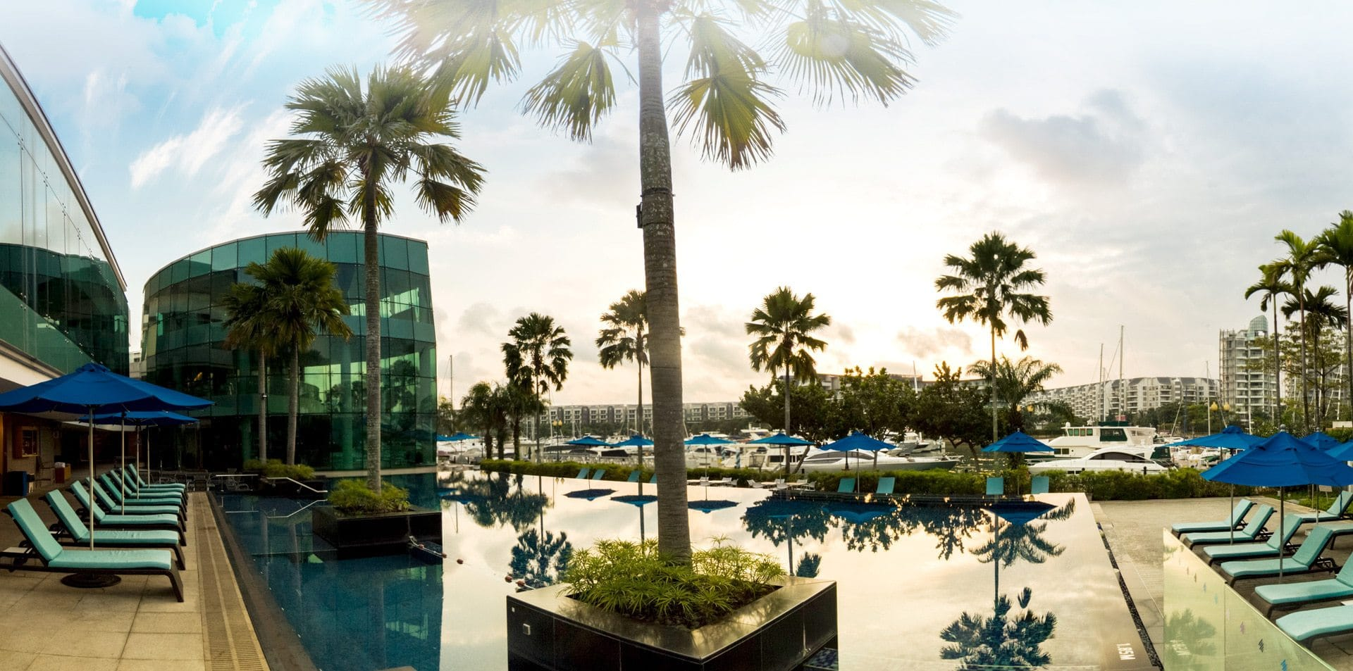 One15 Marina infinity pool