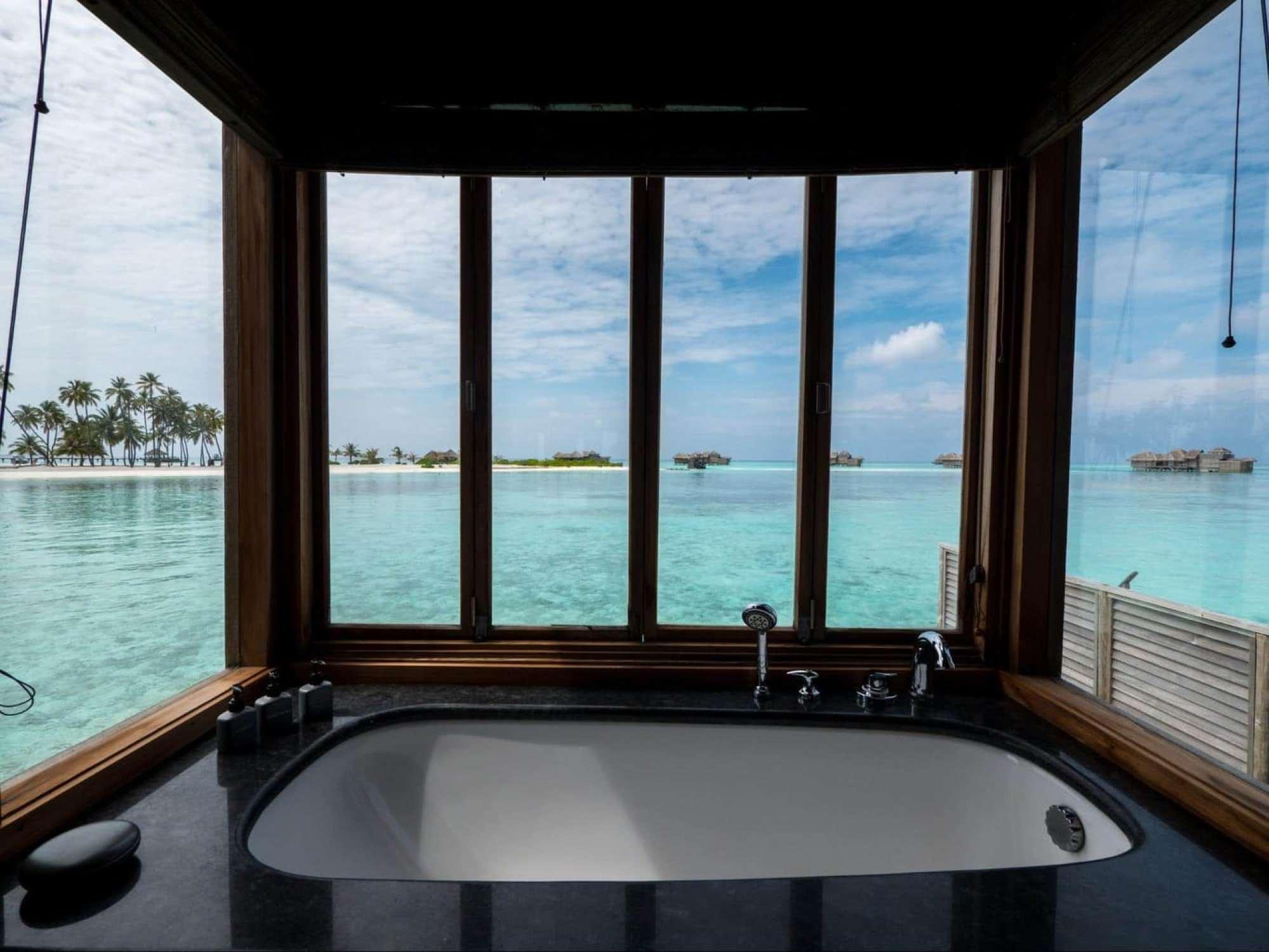Bathroom at Gili Lankanfushi 02