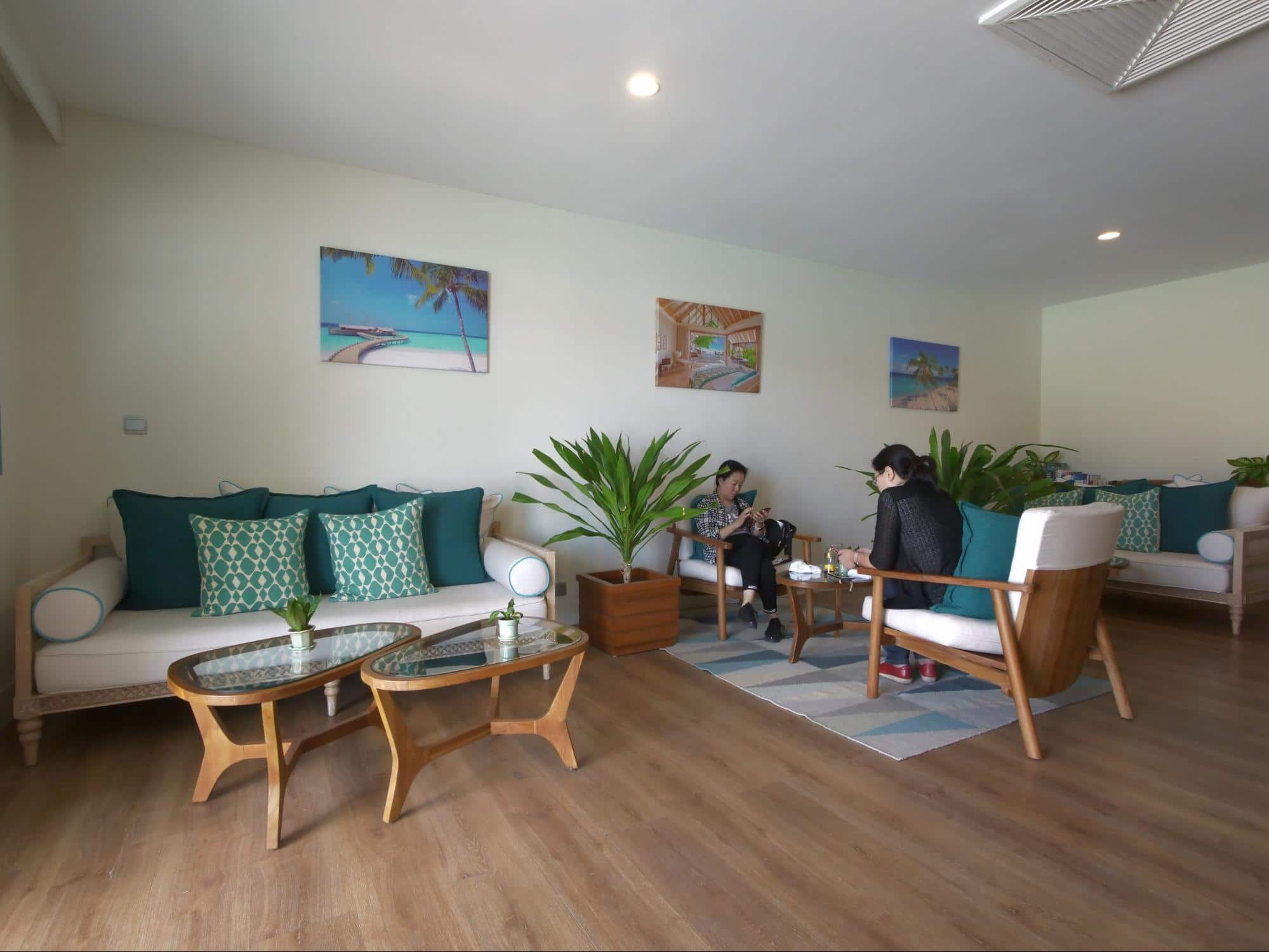 Milaidhoo airport lounge in Male