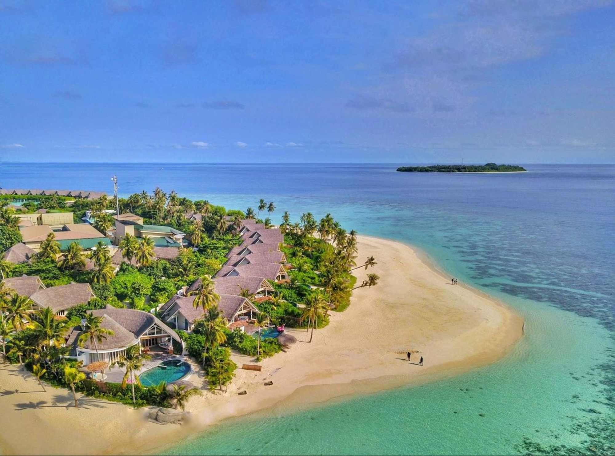 The beach villas at Milaidhoo