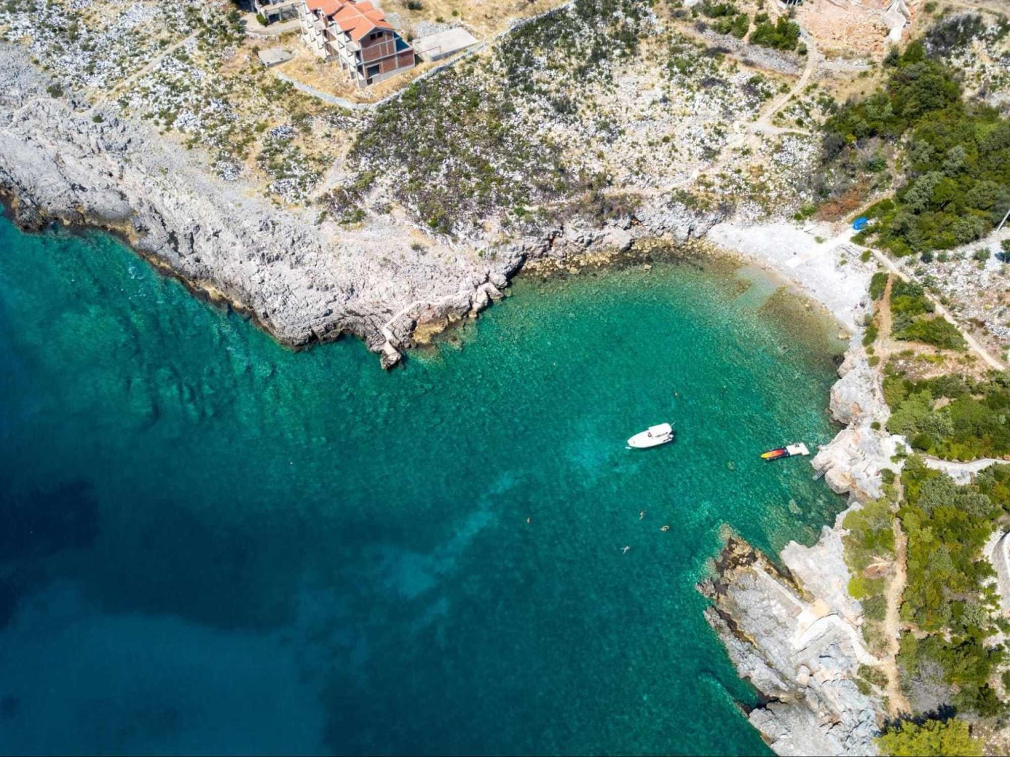 Uvala Veslo crystal clear waters