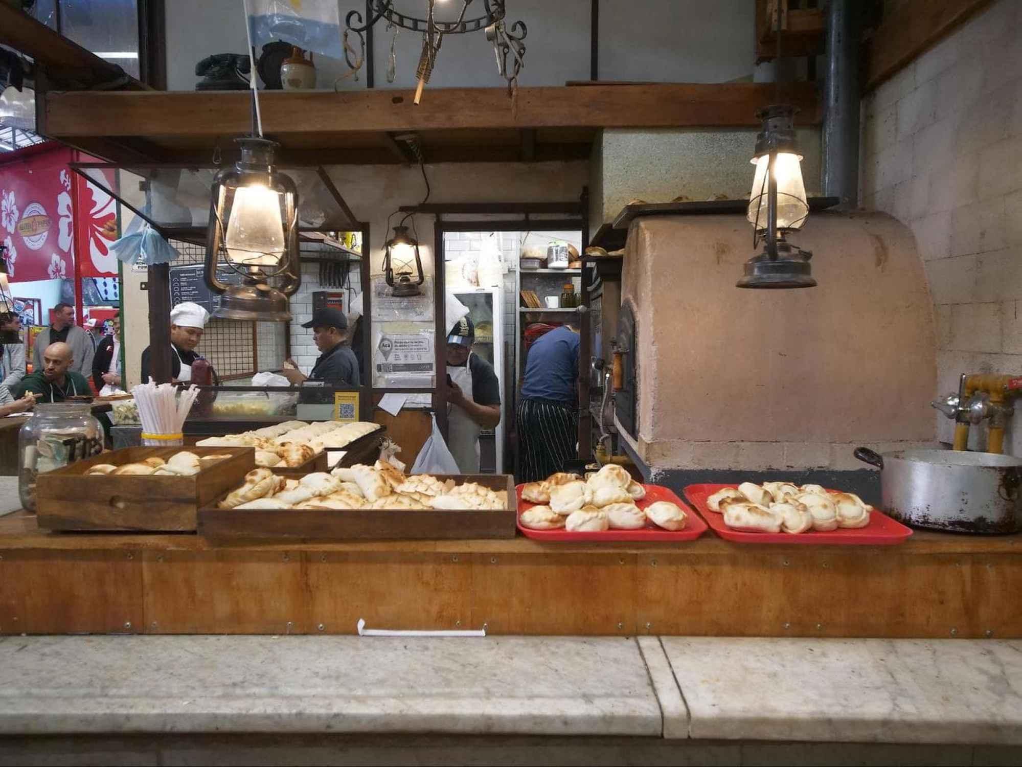 Mercado San Telmo empanada